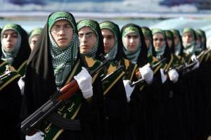 Η παρέλαση της χειραφετημένης μουσουλμάνας