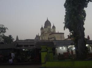 Ο ναός της Κάλι στο χωριό Daksineshwar, 8 χλμ. βορείως της Καλκούτας