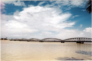 Η μήκους 507 μ. γέφυρα Faidherbe, σήμα κατατεθέν του St Louis, πρωτολειτούργησε το 1897