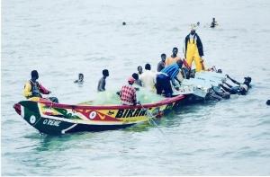 Ψαρόβαρκες μεταξύ Bakau και Cape Point