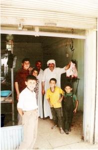 Στο χωριό Καφραμπούντι (Συρία) όπου για πολλοστή φορά στα ταξίδια μου με έπιασε λάστιχο
